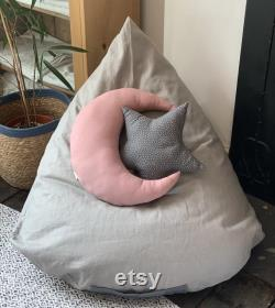 Linen pyramid beanbag